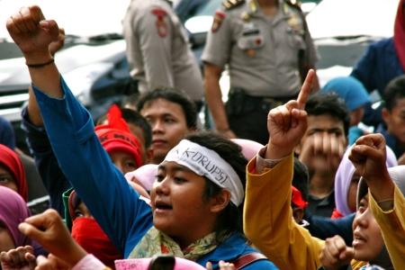 20130521 AljonAliSagara_BEM SeIndonesia Demo KPK Century 02